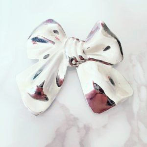 Silver Tone Bow Brooch Pinup